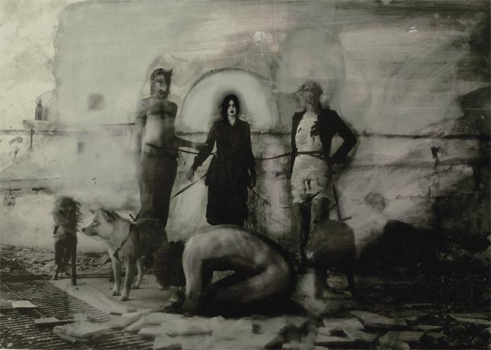 El medico italiano retrato de familia<br/>Fotografía analógica con tratamiento en la copia de papel fb / Analogic photograph treated print.
