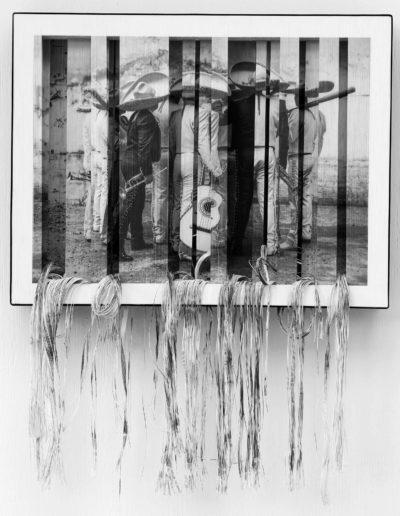Adelita, 2013. Serie Certezas aparentes<br/>Fotografía digital impresa sobre hilos de cañamo e intervenida manualmente / Manually modified digital photograph printed on hemp threads