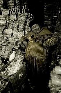 Bolivie. Vendeuse à El Alto, 2010<br/>Impresión de tintas de pigmentos / Inkjet