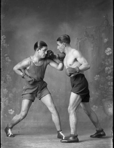 Boxeadores en el silencio, 1938<br/>Gelatina de plata / Silver gelatin print