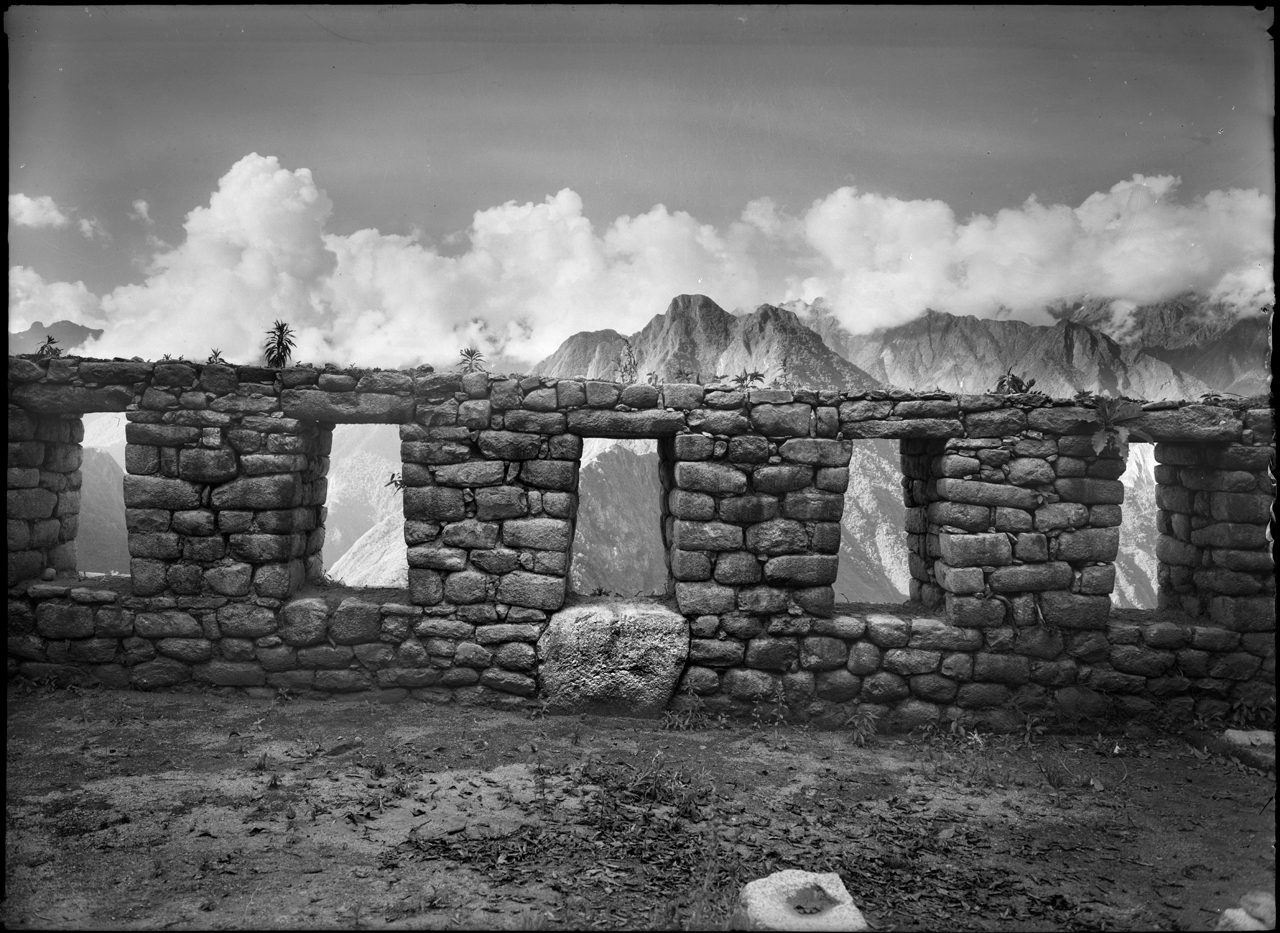Museo de las cinco ventanas, 1941<br/>Gelatina de plata / Silver gelatin print