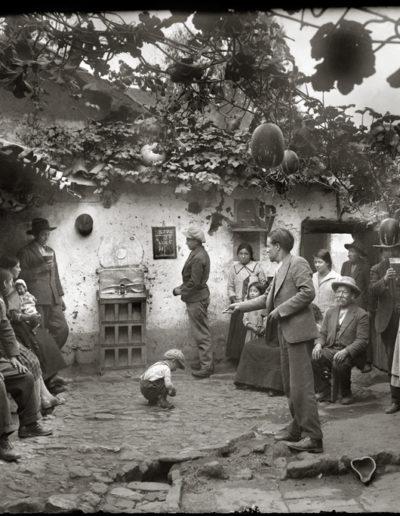 Chicha y sapo, 1931<br/>Gelatina de plata / Silver gelatin print