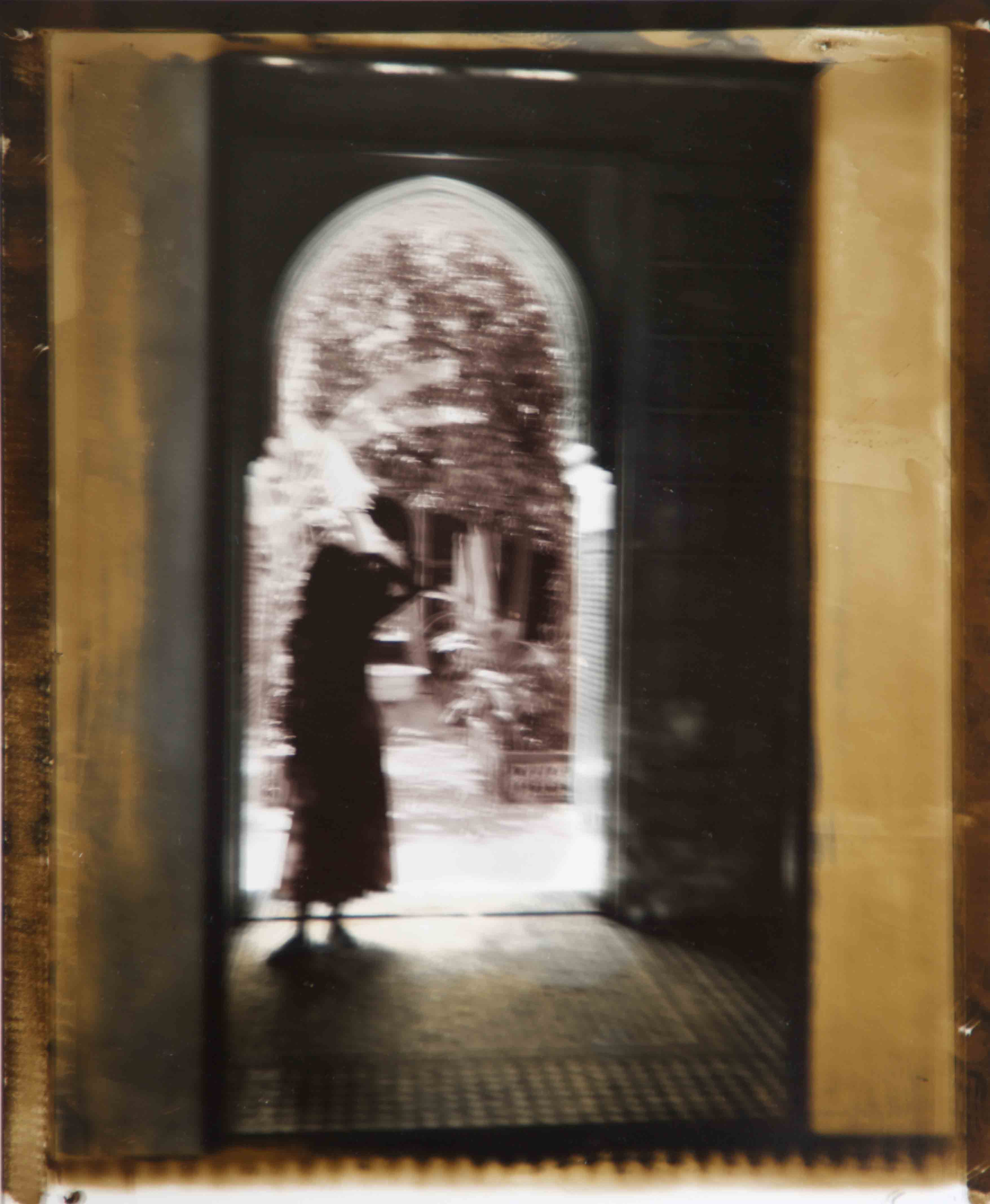Jeune femme au riad, 2000<br/>Impresión de tintas de pigmentos / Inkjet
