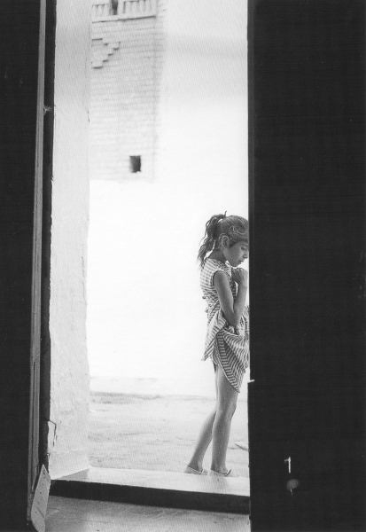 Niña. Valencia, 1957<br/>Gelatina de plata / Silver Gelatin