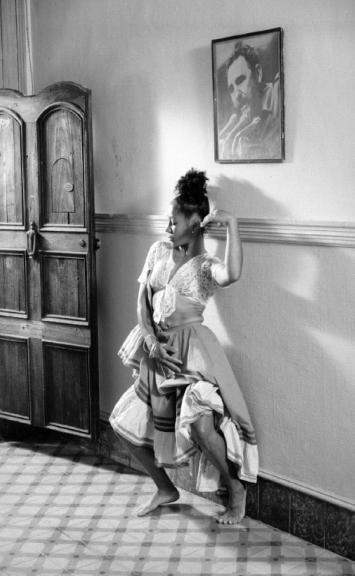 Serie Danza Cubana. La Habana Vieja. Cuba, 1995<br/>Platinotipia / Platinum