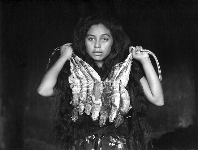 La mujer, México, 1987<br/>Gelatina de plata / Silver gelatin