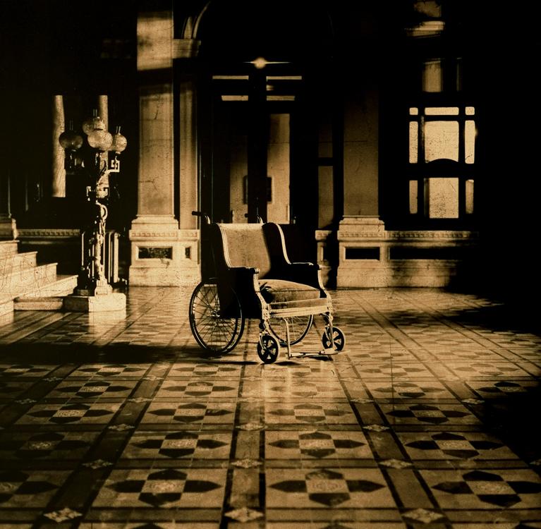 Recordaba su silueta pálida, 2004<br/>Película ortocromática / Orthocromatic Print