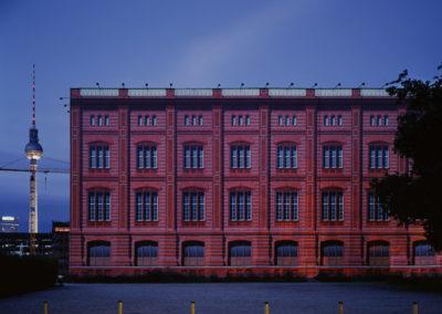 Red curtain, 2010<br/>Impresión cromogénica / Chromogenic print.