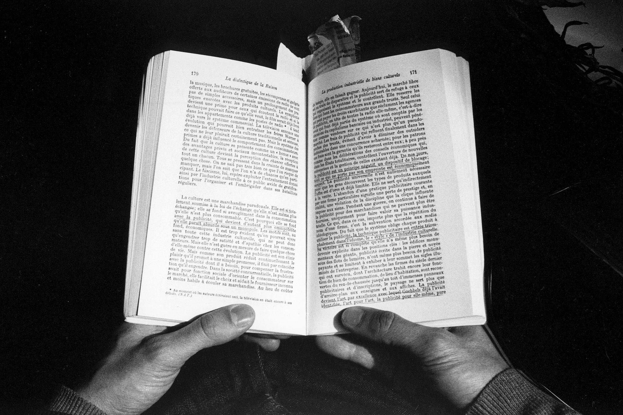 En los libros II, 2007<br/>Gelatina de plata sobre papel baritado / Silver gelatin on baryta paper