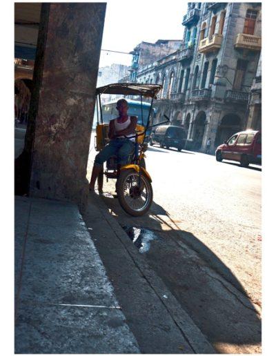 Cuba Esperando. Ride en Simon Bolivar<br/>Fotografía. Impresión digital con tintas de pigmentos / Photograph. Pigment inkjet print