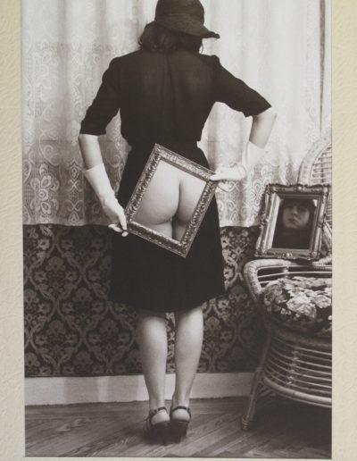 Propiedad privada II, 1977<br/>Fotomontaje blanco y negro virado / Black and white toned photomontage