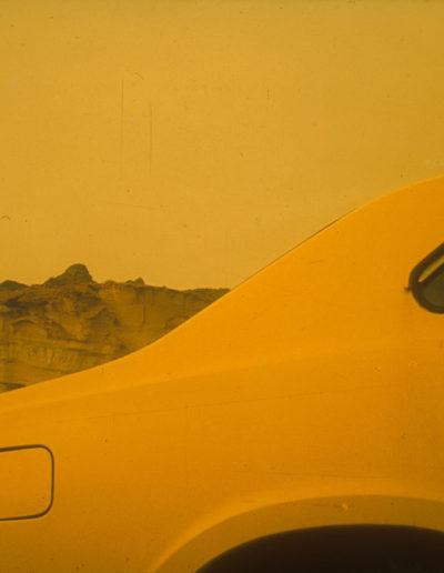 Yelow car<br/>