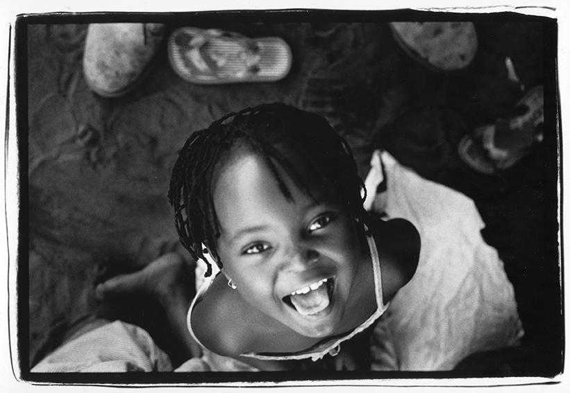 Mozambique, 2010<br/>Gelatina de plata sobre papel baritado al clorobromuro virado al selenio / Gelatin silver print on baryta paper with selenium treatment