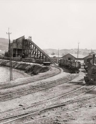 Bartolomé Ros y Ros. Fábrica de bloques prefabricados y locomotora de transporte de materiales, ceuta, 1925<br/>