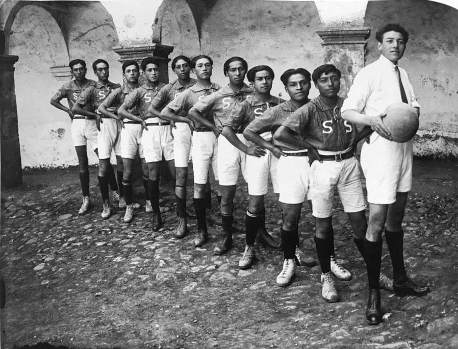Equipo de fútbol, 1926<br/>