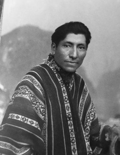 Autorretrato en portada inka, 1934<br/>