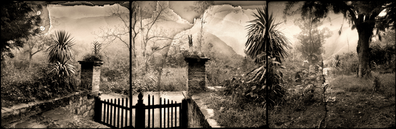 Entrada al Chillo,1995<br/>Virado de oro / Golden Toner