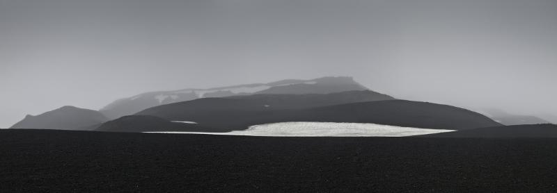 Paisaje en gris, Islandia, 2007<br/>Giclée montado sobre dibond / Glicée mounted on dibond