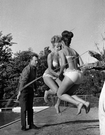 Skipping by the pool, 1960<br/>Gelatina de plata / Silver gelatin