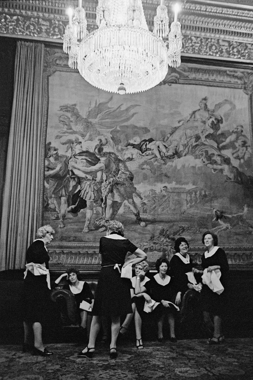 Waitress Break at London City Hall, 1979<br/>Gelatina de plata / Silver gelatin