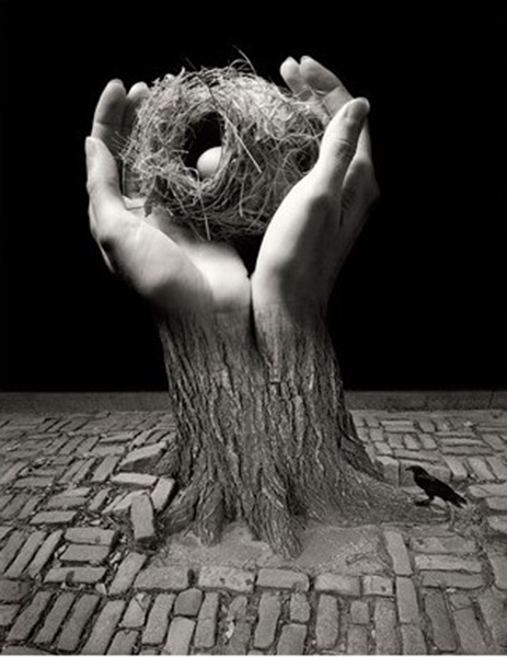 Jerry Uelsmann. Journey into Night. 2006.<br/>Gelatina de plata con tratamiento de archivo