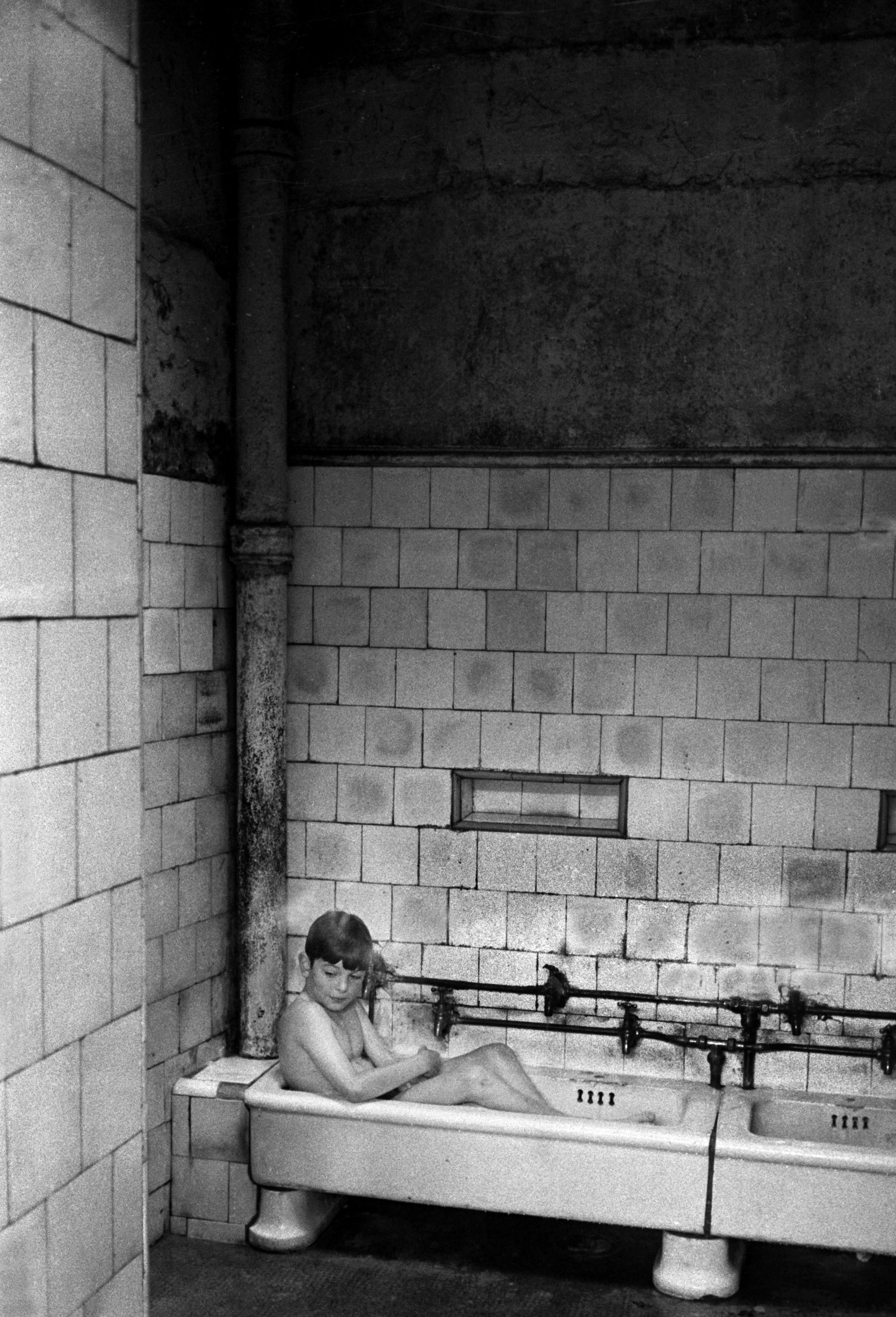 Public baths, Glasgow, 1968<br/>
