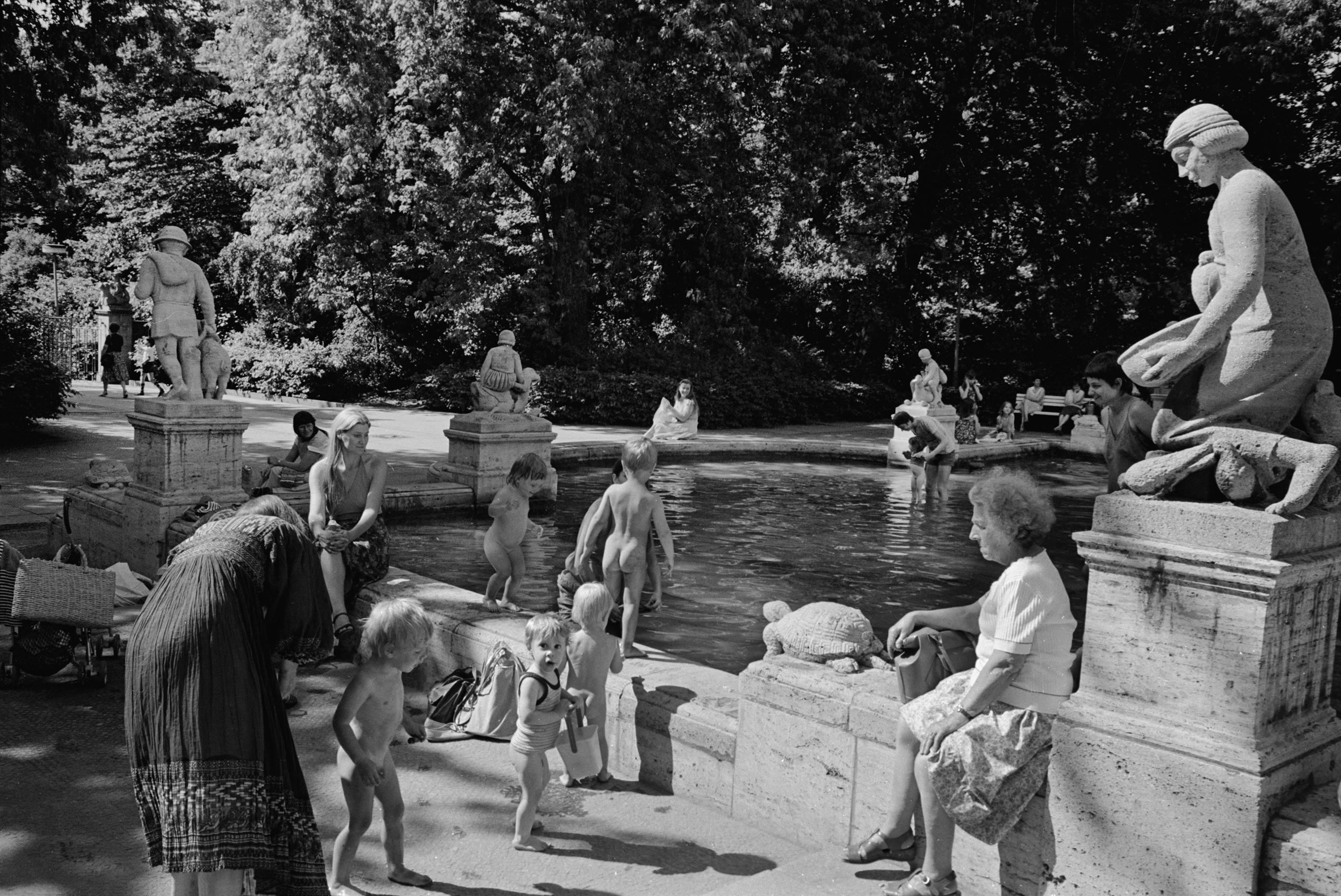 FairyLand Park, 1976<br/>Gelatina de plata / Silver gelatin