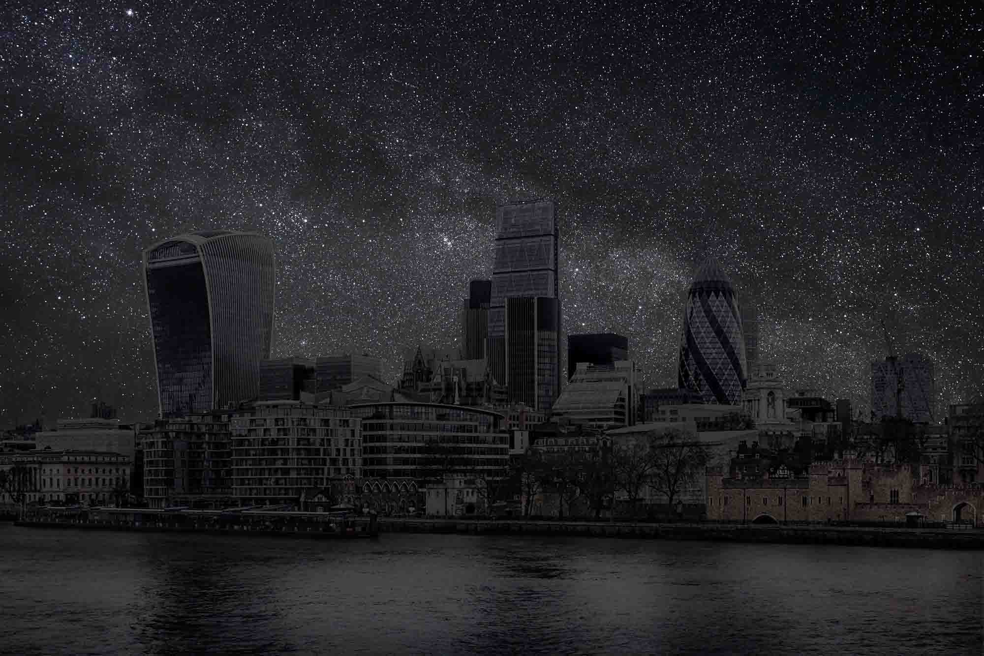 London 51° 30' 17'' N 2015-02-17 lst 10:39<br/>Darkened Cities - Villes éteintes