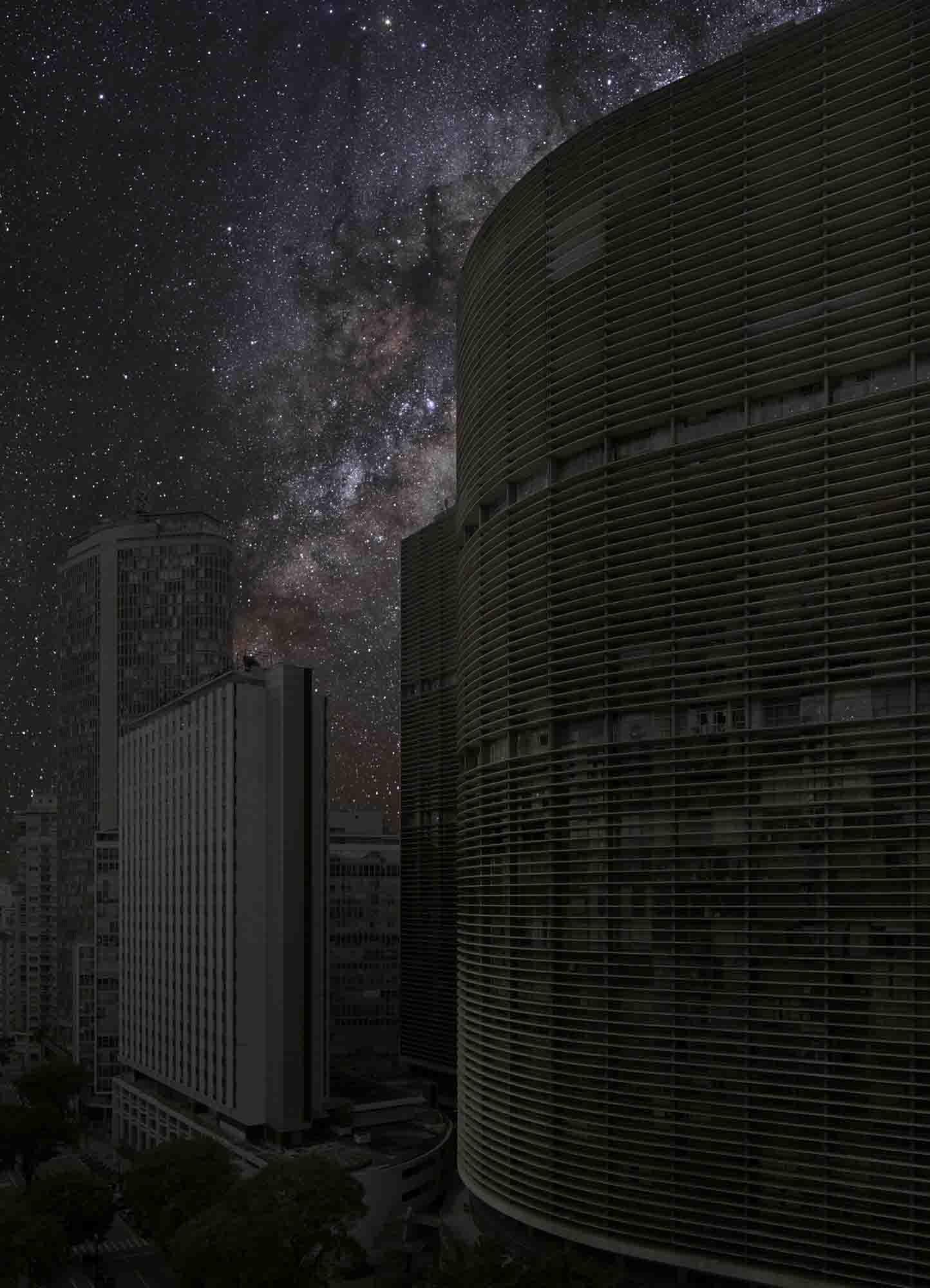 São Paulo 23° 32' 48'' S 2011-06-05 lst 13:55<br/>Darkened Cities - Villes éteintes