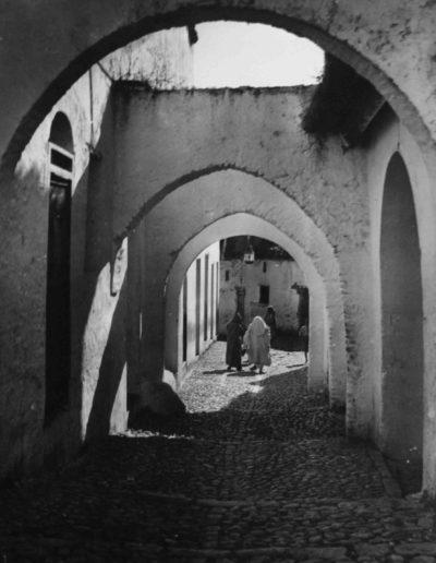 Calle de Xaven. Marruecos, 1943<br/>Gelatina de plata / Silver gelatin print