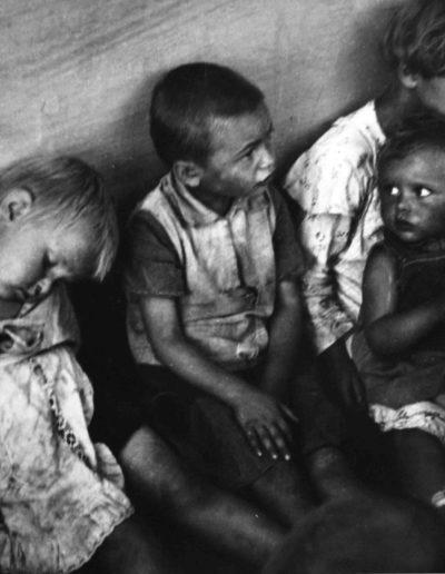 Niños húngaros, 1936<br/>Gelatina de plata / Silver gelatin print