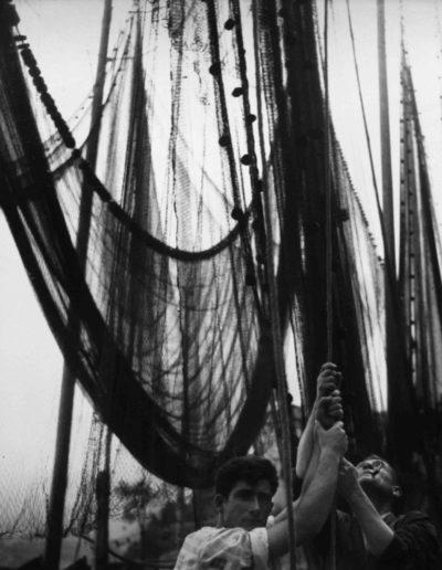 Con las redes. Burdeos, 1939<br/>Gelatina de plata / Silver gelatin print