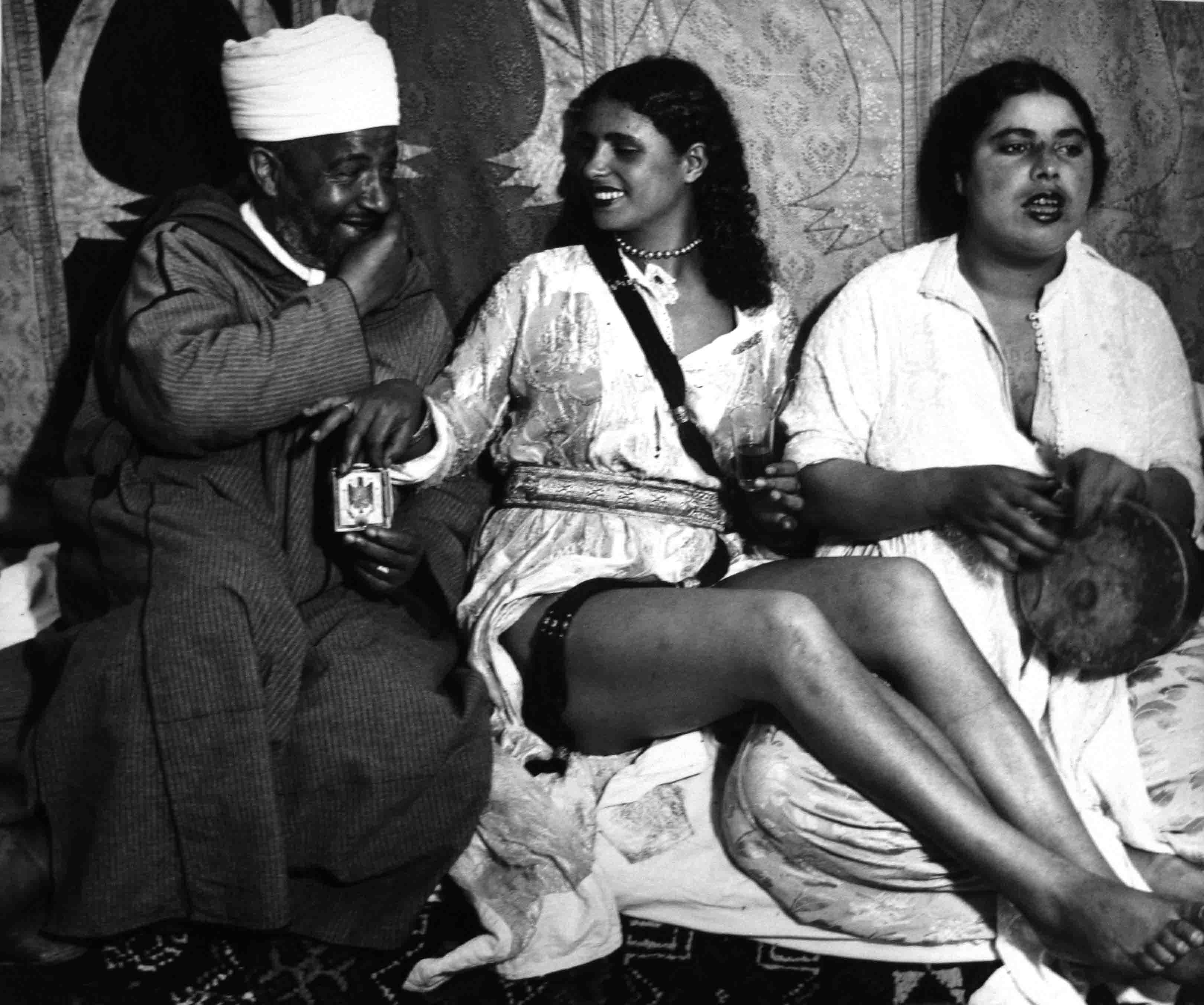 Bailarina tajara . Marruecos, 1942<br/>Gelatina de plata / Silver gelatin print