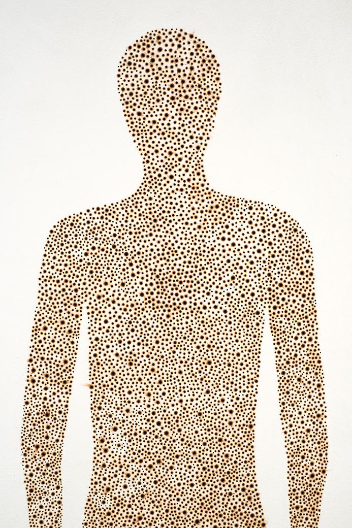 Anatomías 2<br/>Pirograbado sobre papel de la India Khadi, hecho a mano a partir de trapos reciclados. 2018. 80 x 200 cm