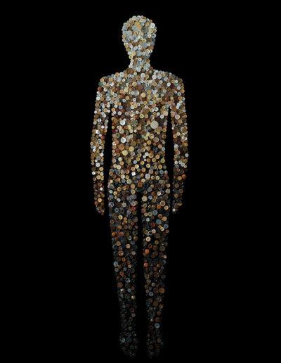 Anatomías 1<br/> Caja de madera y botones. 2018. 63 ́5 x 193 x 6 cm