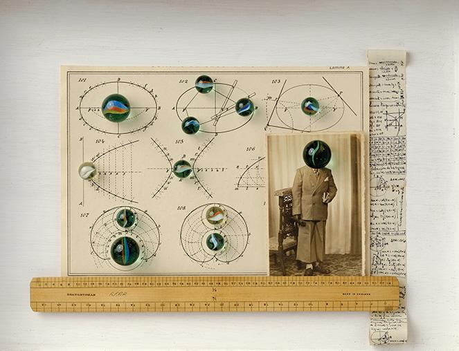El estudiante<br/>Caja de madera, fotografía encontrada y objetos.  2018. 47 x 36 x 7 cm
