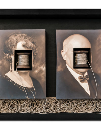 Toda una vida<br/>Caja de madera, fotografías encontradas y objetos. 2018. 47 x 36 x 7 cm