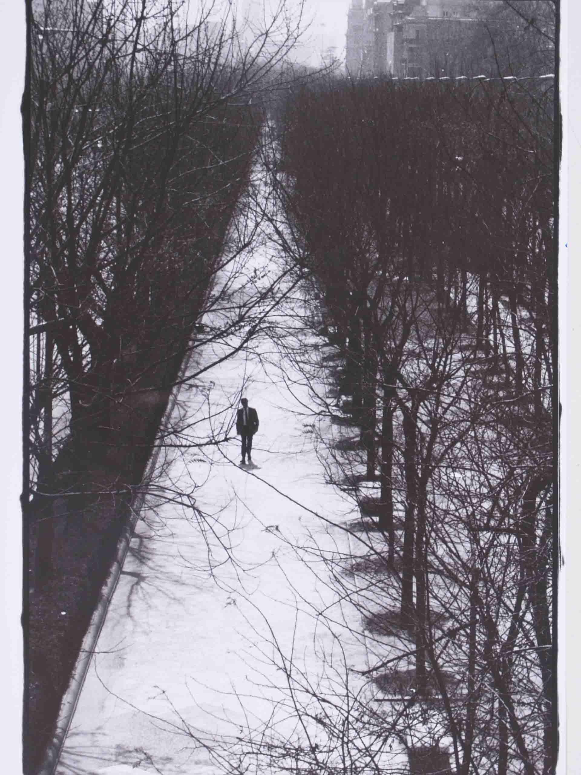 El paseo interminable, 1990<br/>Gelatina de plata con tratamiento de archivo al selenio / Silver gelatine with archival selenium treatment.