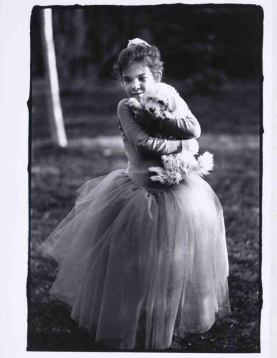 Perrita con bailarina, 1992<br/>OLYMPUS DIGITAL CAMERA