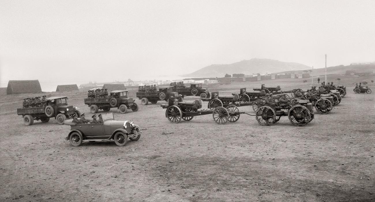 Maniobras militares en Loma Larga, artillería ATM. Ceuta, 1928<br/>Gelatina de plata / Silver gelatin