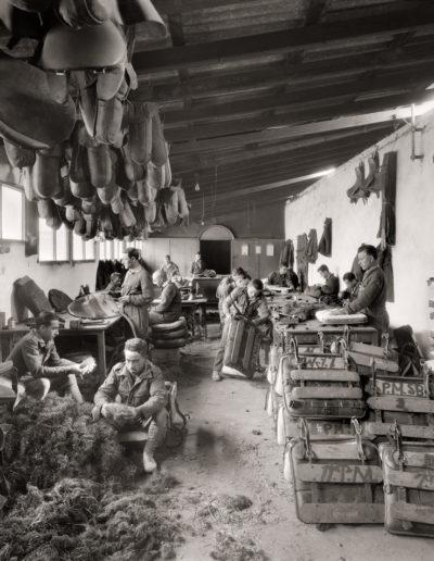 Taller de guarnicionería del Cuartel de la Legión en Dar Riffien, 1926<br/>Gelatina de plata / Silver gelatin