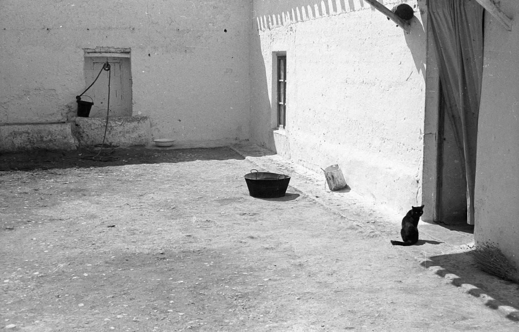 La Mancha, 1963<br/>30 x 30 cm