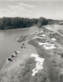 Escalona, Lavanderas en el río, 1962<br/>Vintage, 24 x 18,5cm