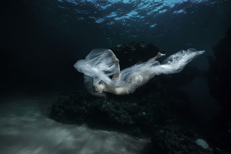 Isabel Muñoz. ST, Bajo el agua. 2018<br/>Platinotipia / Platinum