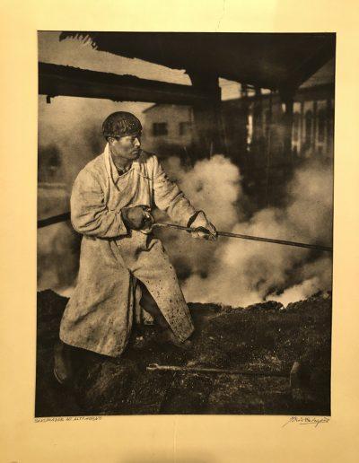 Ortíz Echagüe.Picador de alto horno, 1951<br/>Carbón directo (Fresson) realizado por José Ortiz-Echagüe