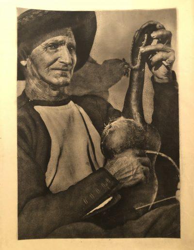 Viejo rabenero<br/>Carbón directo (Carbondir) realizado por José Ortiz-Echagüe