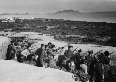 Bartolome Ros. Maniobras, al fondo Ceuta.ca 1926<br/>Gelatina de plata
