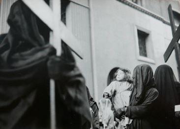 Ricard Terré. Semana Santa, Barcelona, 1956<br/>Gelatina de plata