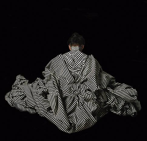 Cecilia Paredes. La Dorsal, 2014<br/>Impresión de tintas de pigmentos / Inkjet print.  120 x 120 cm