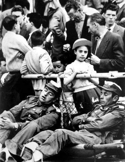Francisco Ontañón. Partido aburrido en el Bernabéu. Madrid, 1966<br/>Gelatina de plata sobre papel baritado / Gelatin silver on baryta paper